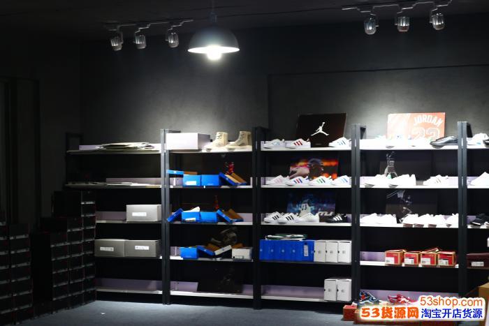 阿迪达斯运动服 耐克运动服 新百伦等服装/运动鞋,一件代发,免费代理