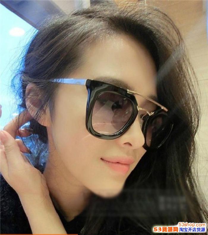 高仿PRada太阳眼镜多少钱一副,介绍给大家去哪里买