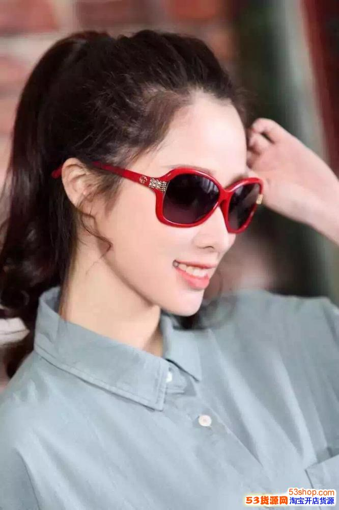 大家都想找高仿眼镜批发市场在哪里,微商都想找的高仿微信