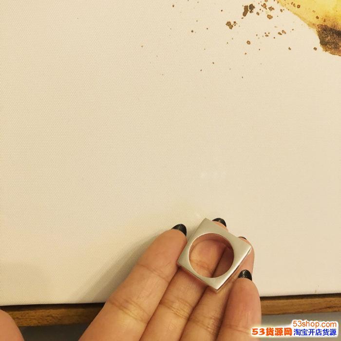 Supreme方形光戒麦昆克罗心项链手镯戒指高品质复刻