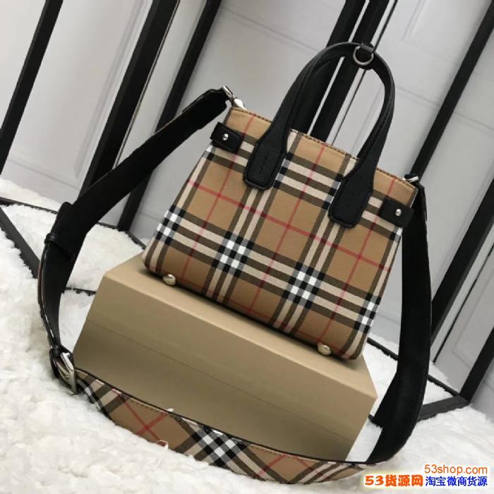 A货包包进货多少钱?一比一原单包包微商厂家一件代发包包工厂直销海