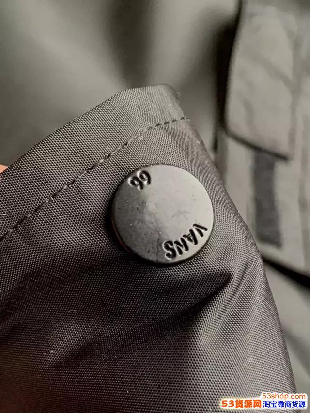 供应工厂潮牌vans万斯滑板鞋服装批发货源 一件代发货