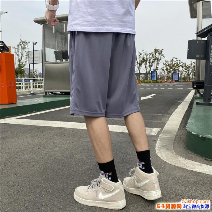 815072耐克短裤